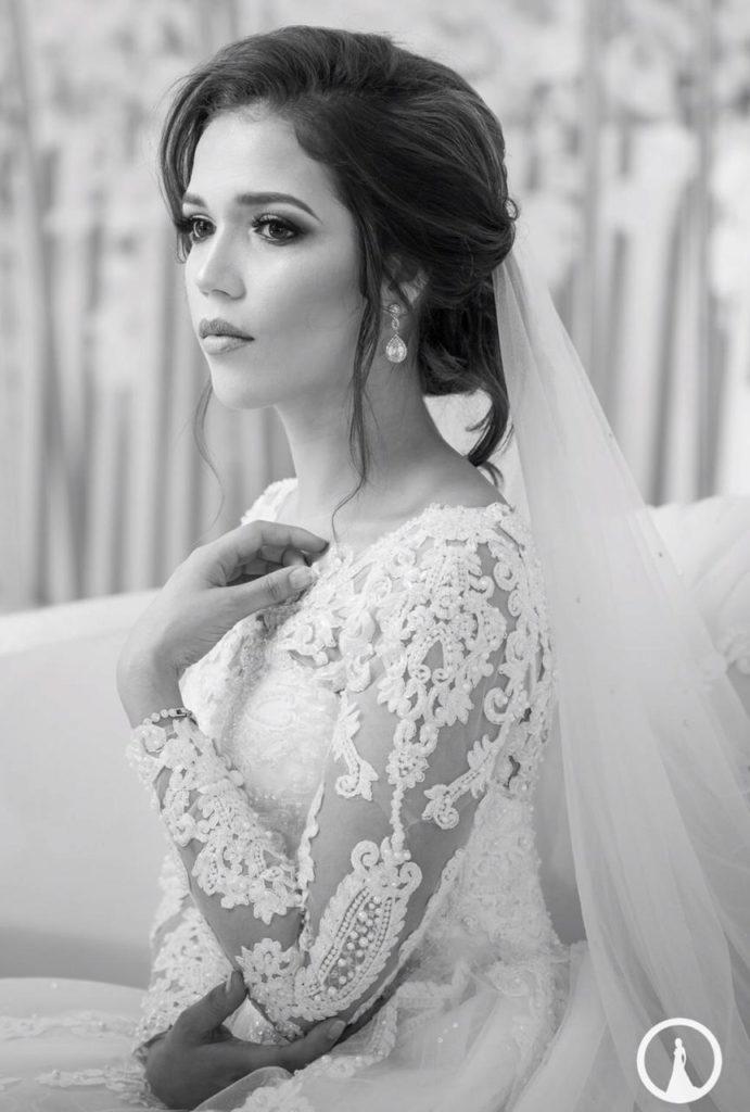 Bride Akeela Hoosen in Tashreeqah Sadien wedding gown